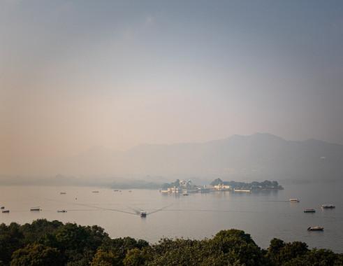 2848_Udaipur-lake-view_COL_22-x-17.jpg