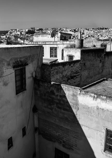 1709_Moroccan Rooftops_B+W_22 x 17-Recov