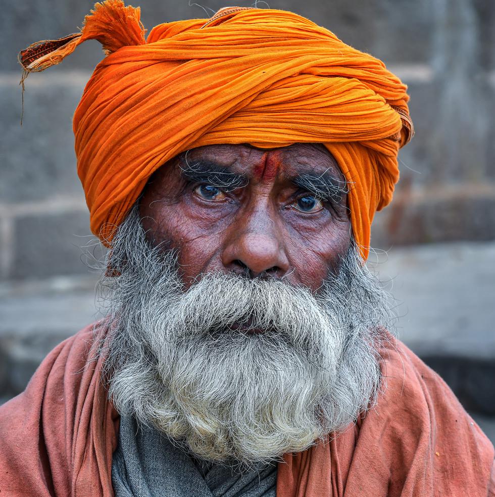 1155_Varanasi_Sikh-Man_COL_22-x-17.jpg