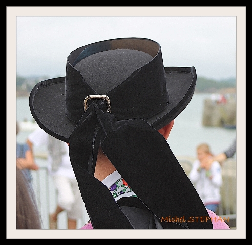 Coiffes et chapeaux ronds -  (35)