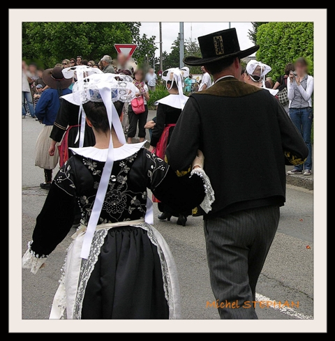 Coiffes et chapeaux ronds -  (20)