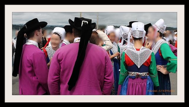 Coiffes et chapeaux ronds -  (39)