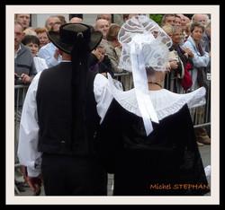 Coiffes Bretonnes et chapeaux ronds filets bleus (7)