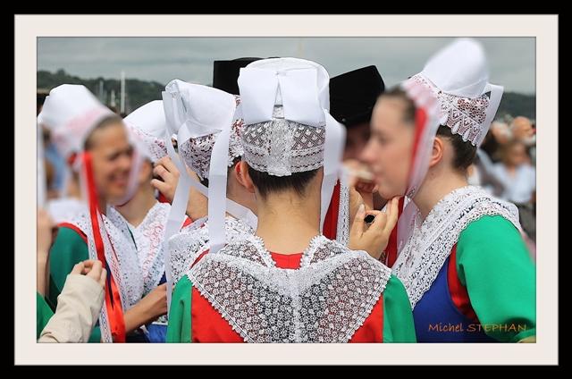 Coiffes et chapeaux ronds -  (37)