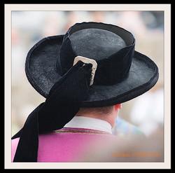 Coiffes et chapeaux ronds -  (4)
