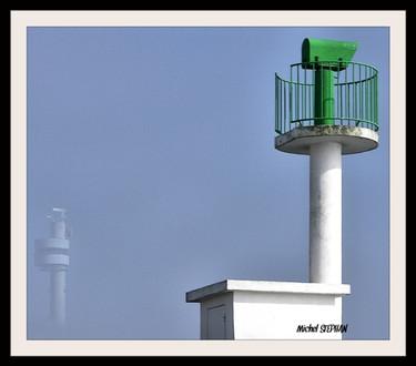 Le phare du stiff qui se cache dans la brume