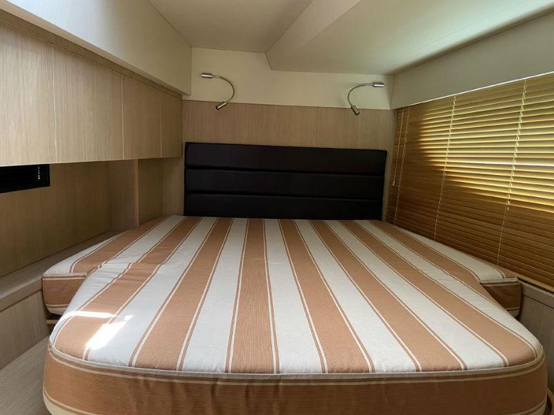 No-Name-3-Yacht-Cabin.jpg