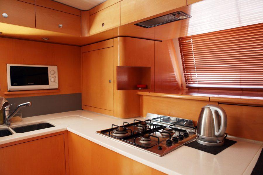 xiao-lin-yacht-charter-singapore-3-lr-90