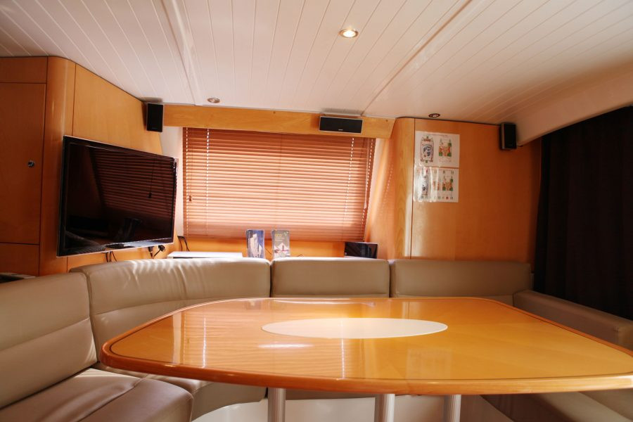 xiao-lin-yacht-charter-singapore-2-lr-90