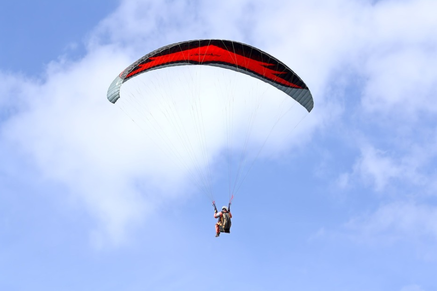 parachute with a man