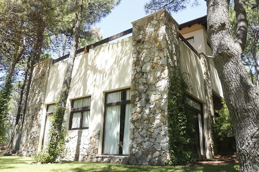 Casa Bosque Lomas de Valeria