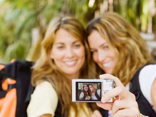 Uma reflexão sobre o fenômeno das Selfies