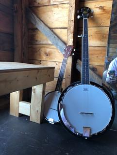 A banjo family!