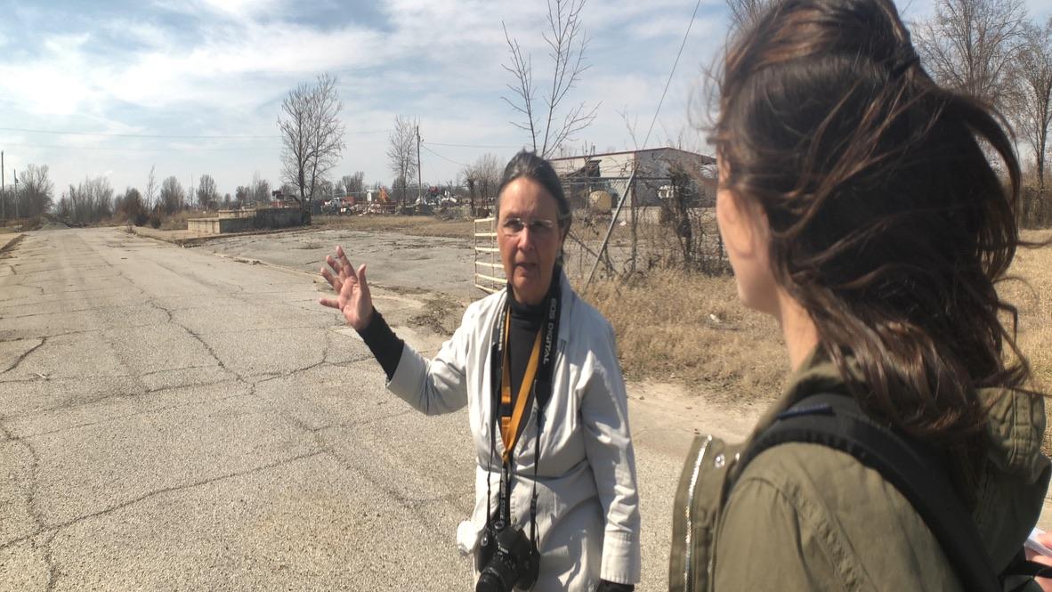Rebecca Jim giving Toxic Tour