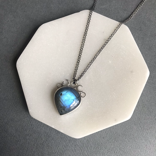 Lucine Labradorite Necklace (small)
