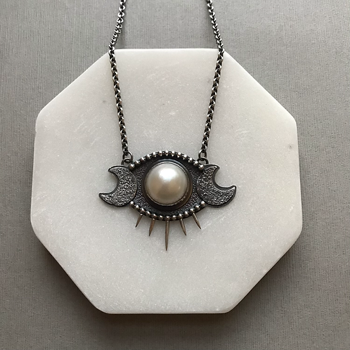 Selene Necklace with Pearl