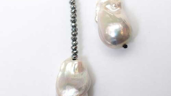 Silver Lariat with 2 Pearls zoom