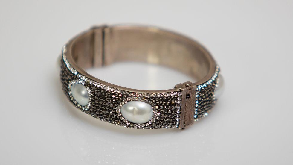 Black Druzy With Pearls Silver Bracelet