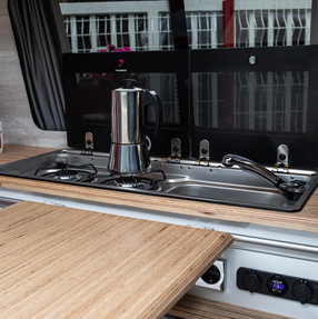 20210903_Split Van red silver-6057.jpg