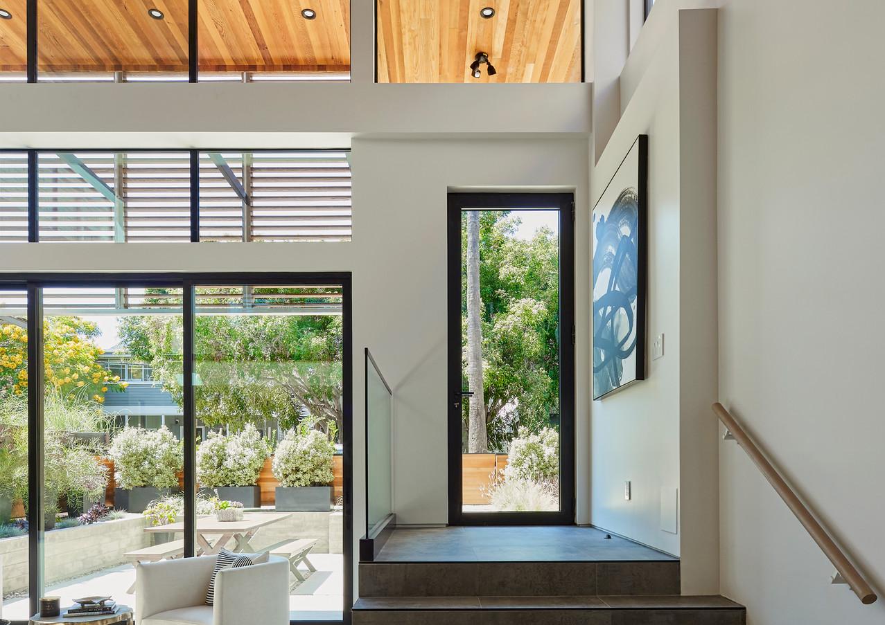 230 Horizon Ave_Front Door Interior Step