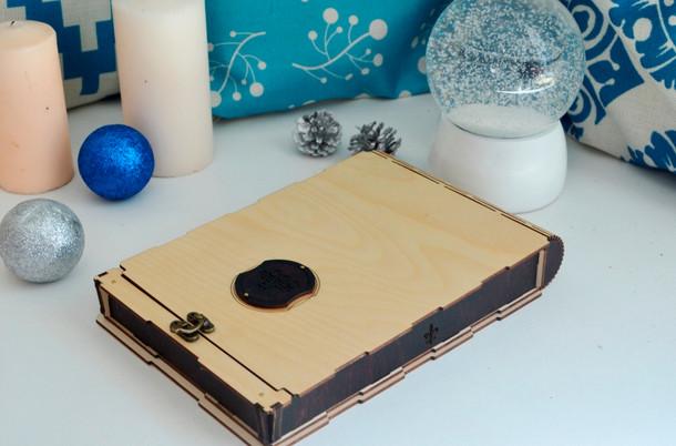 Деревянная упаковка для ежедневника.jpg