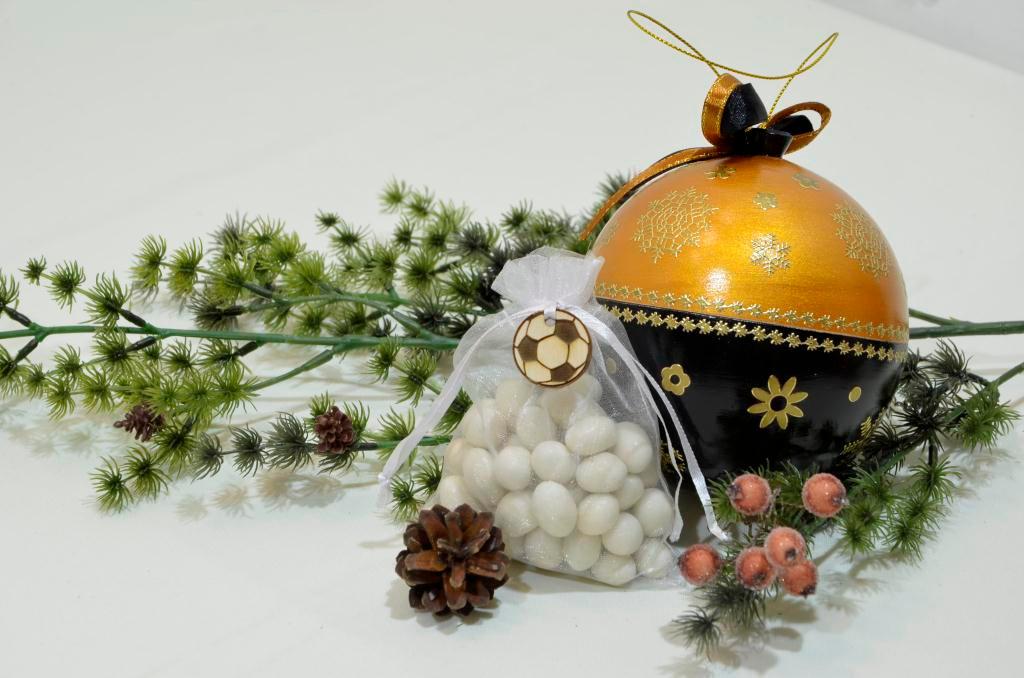 Шар-шкатулка с подарком