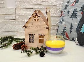 Домик со свечой