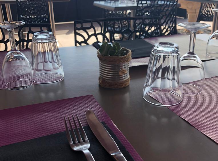 Terraza sombreada Restaurante pizzería Dufort