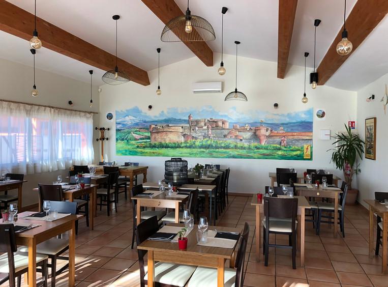La gran sala del Restaurante Pizzeria en Fort de Salses