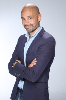 Luc Terrier coaching.JPG