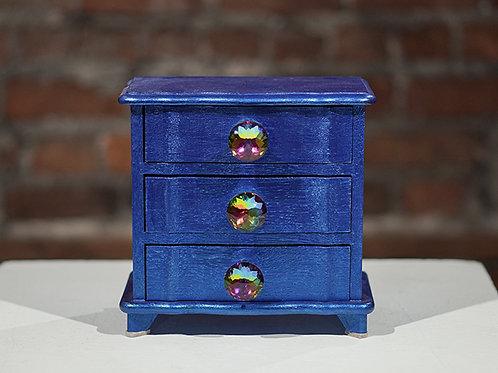 Upcycled jewelry box