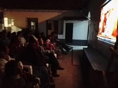Cine en el CC (familias) (2).jpeg