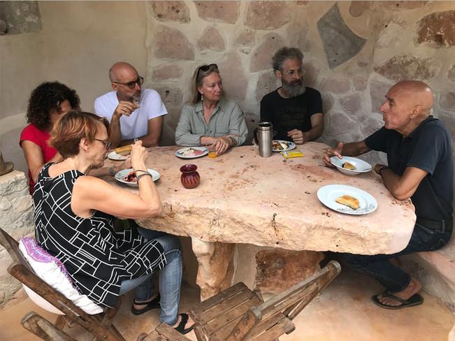 Nueva mesa de piedra