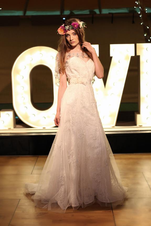 Tipi Wedding Bridal Portait Yvie McCormick 2