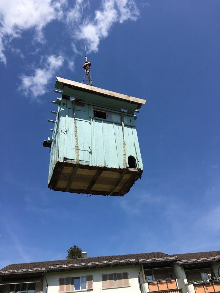 Transport altes Gartenhaus