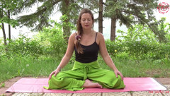 Trailer Yin Yoga & Mindful Nutrition for the Chakra System Online Programme