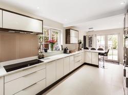 Kitchen in Ewell 3