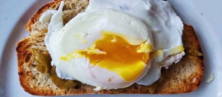 Da' niște ouă nu poșăm și noi?