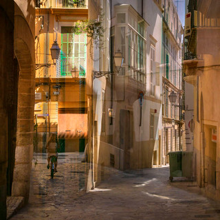 Quiet back streets of Palma, Mallorca II