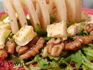 Gorgonzola, Pears & Walnuts Salad