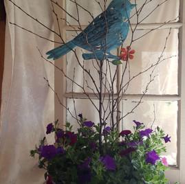 Bird outdoor planter