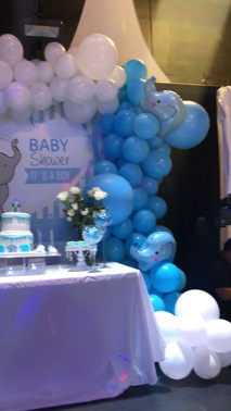 Blue and white table arrangement baby shower