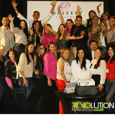 company group photo in corporate event