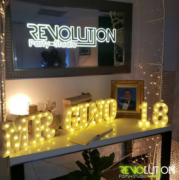 table-decoration with name and lights adult party venue in Kendall Miami