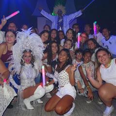 hora loca on 15th birthday at event venue