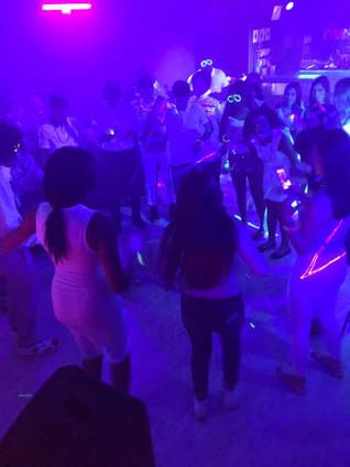 hora loca party neon teen