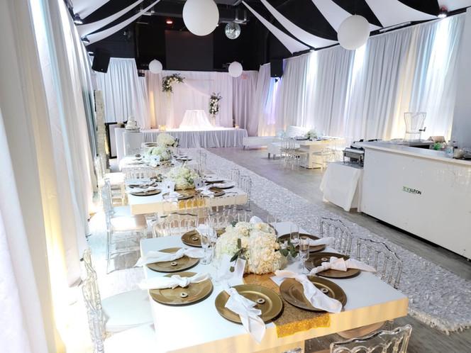 beautiful white decoration for wedding