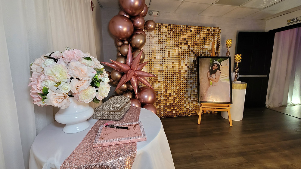 Guest list for quinceañera party in banquet hall