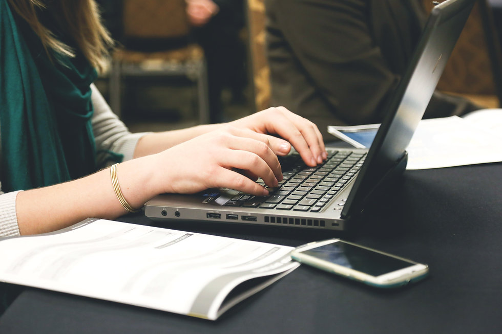 computer-desk-email-7112.jpg