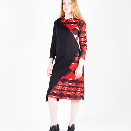 魅惑のレッドドレス